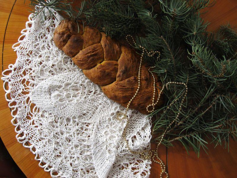 chleb bożonarodzeniowy w formie warkocza