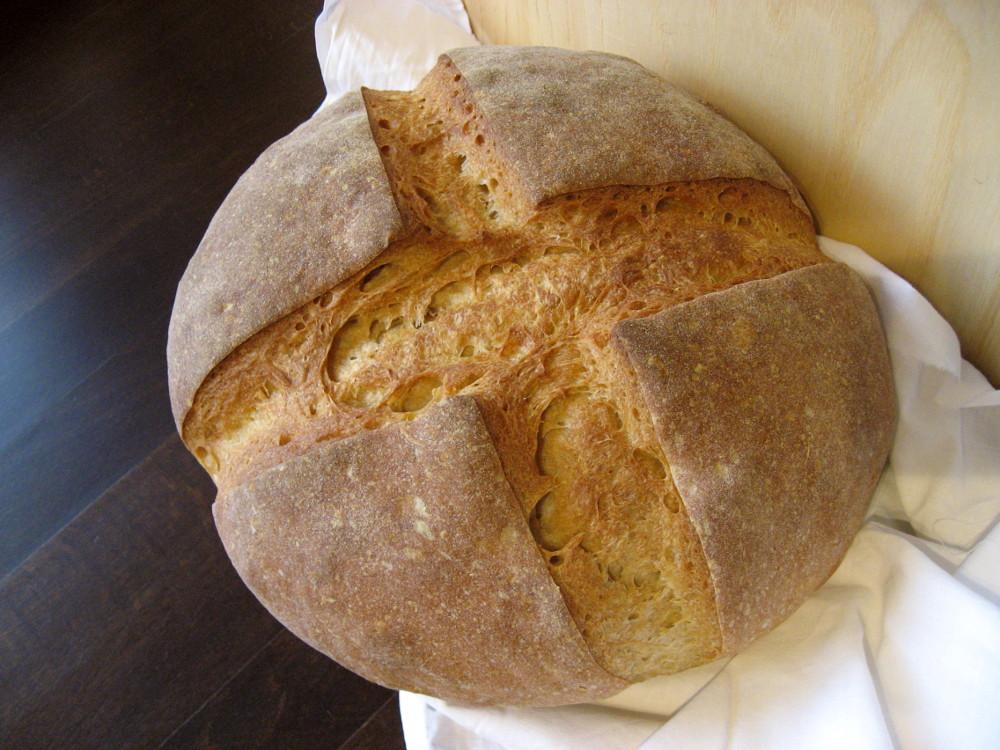 Chleb ze starożytnej pszenicy płaskurki