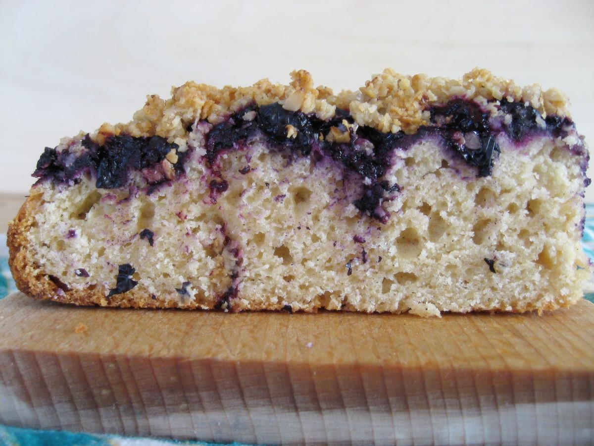 Kawałek ciasta z płaskurki widziany z boku